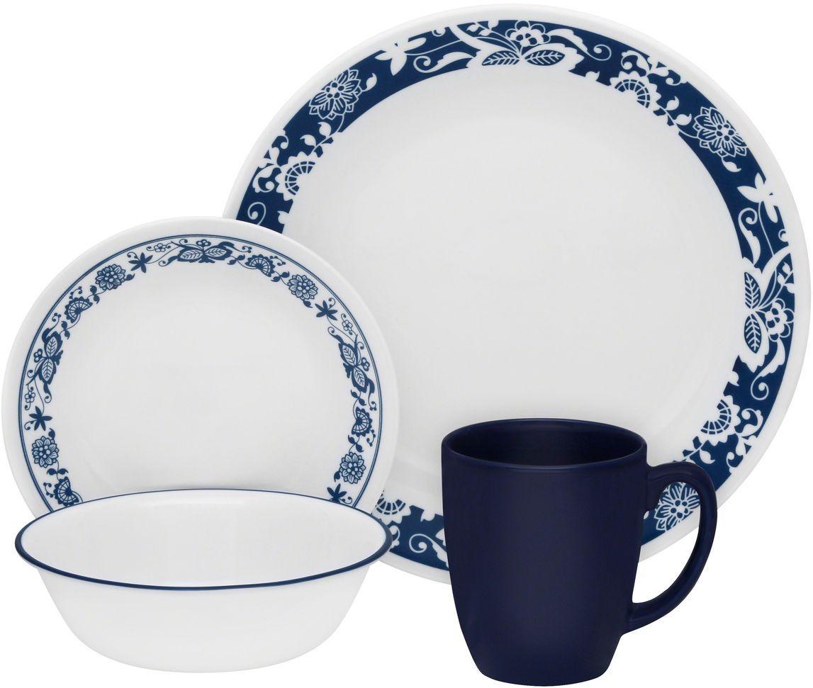 Набор столовой посуды Corelle True Blue, 16 предметов. 11140451114045Посуда Corelle мирового бренда WorldKitchen сделана из материала Vitrelle. Стекло Vitrelle является экологически чистым материалом без посторонних добавок. Идеальный белый цвет посуды достигается путем сверхвысокой термической обработки компонентов. Vitrelle сверхпрочный материал, используемый для столовой посуды, изобретенный в начале 1970х в Соединенных Штатах Америки. Материал сделан из трех слоев стекла спеченных вместе. Посуда Vitrelle тонка и легка при том, что является более ударопрочной по сравнению с обычной столовой посудой. Соль, полевой шпат, известняк, и 2 других вида соли попадают в печь, где при 1400 градусов Цельсия превращаются в жидкое стекло. Стекло заливается в молды, где соединяются 3 слоя в один. Края посуды обрабатываются огненной полировкой. Проходя через дополнительную обработку, три слоя приобретают сверхпрочность. Путем шелкографии на днище наносится бренд, а так же дополнительная информация. Узор на посуде так же наносится путем шелкографии. Готовая посуда...