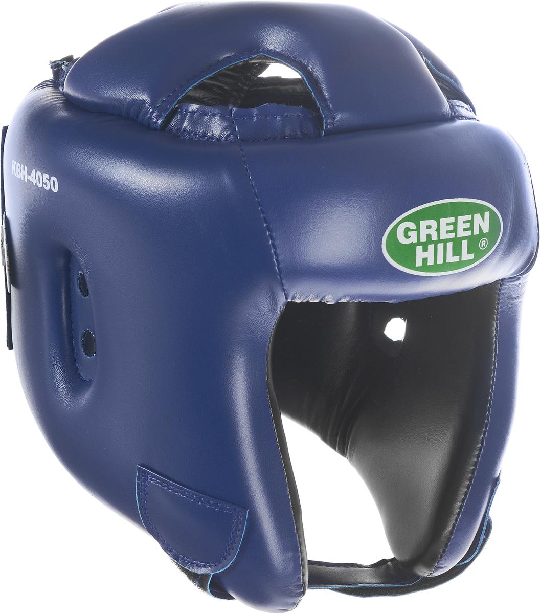 Шлем боксерский Green Hill Brave, цвет: синий. Размер S (48-53 см)KBH-4050Шлем Green Hill Brave с усиленной защитой теменной области предназначен для занятий боксом и кикбоксингом. Подходит для тренировок и соревнований. Крепления сзади на резинке и под подбородком на липучке крепко удерживают шлем на голове. Верх выполнен из высококачественного кожзаменителя, подкладка из искусственной замши.