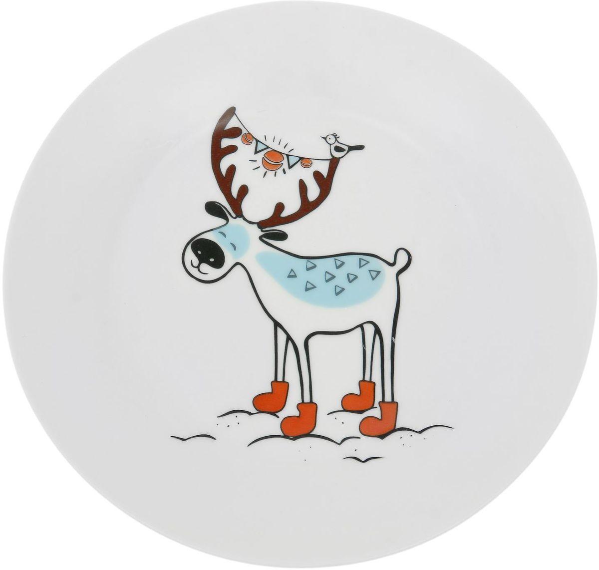 Тарелка мелкая Сотвори чудо Северный олень, диаметр 20 см1828175Хотите обновить интерьер кухни или гостиной? Устраиваете необычную фотосессию или тематический праздник? А может, просто ищете подарок для близкого человека? Посуда « Сотвори Чудо» — правильный выбор в любой ситуации. Её достоинства: изящный фаянс нежного сливочного цвета; стойкость краски; пригодность для посудомоечных машин.