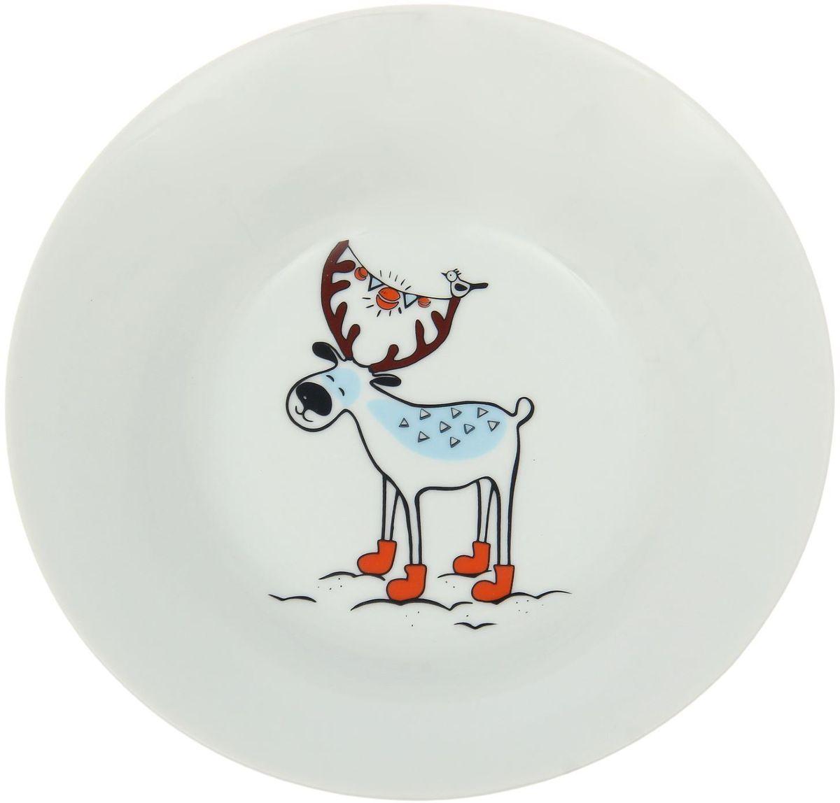 Тарелка глубокая Сотвори чудо Северный олень, диаметр 20 см1863802Хотите обновить интерьер кухни или гостиной? Устраиваете необычную фотосессию или тематический праздник? А может, просто ищете подарок для близкого человека? Посуда « Сотвори Чудо» — правильный выбор в любой ситуации. Её достоинства: изящный фаянс нежного сливочного цвета; стойкость краски; пригодность для посудомоечных машин.