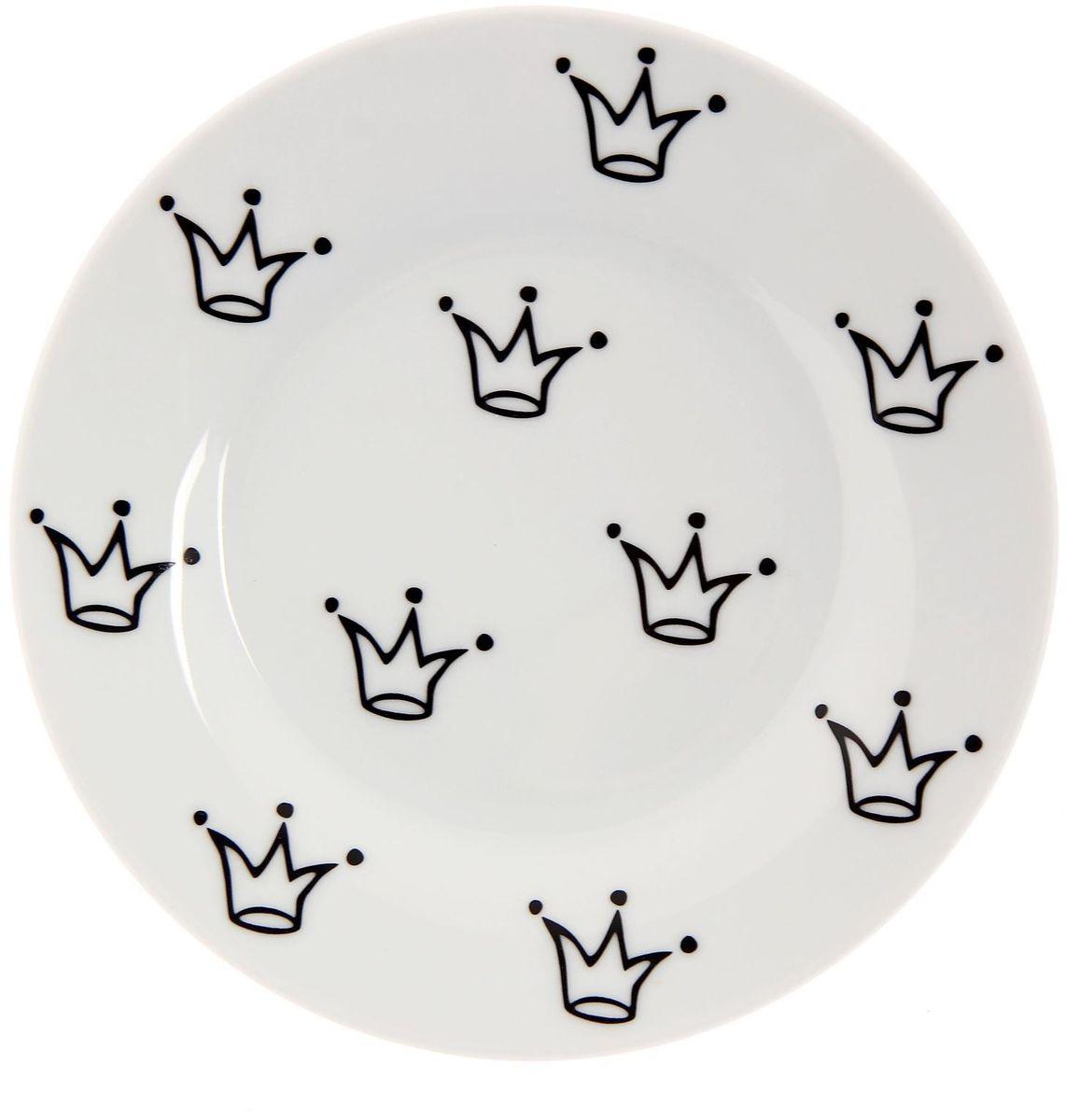 Тарелка мелкая Сотвори чудо My Little Crown, диаметр 15,5 см2277851Хотите обновить интерьер кухни или гостиной? Устраиваете необычную фотосессию или тематический праздник? А может, просто ищете подарок для близкого человека? Посуда « Сотвори Чудо» — правильный выбор в любой ситуации. Её достоинства: изящный фаянс нежного сливочного цвета; стойкость краски; пригодность для посудомоечных машин.