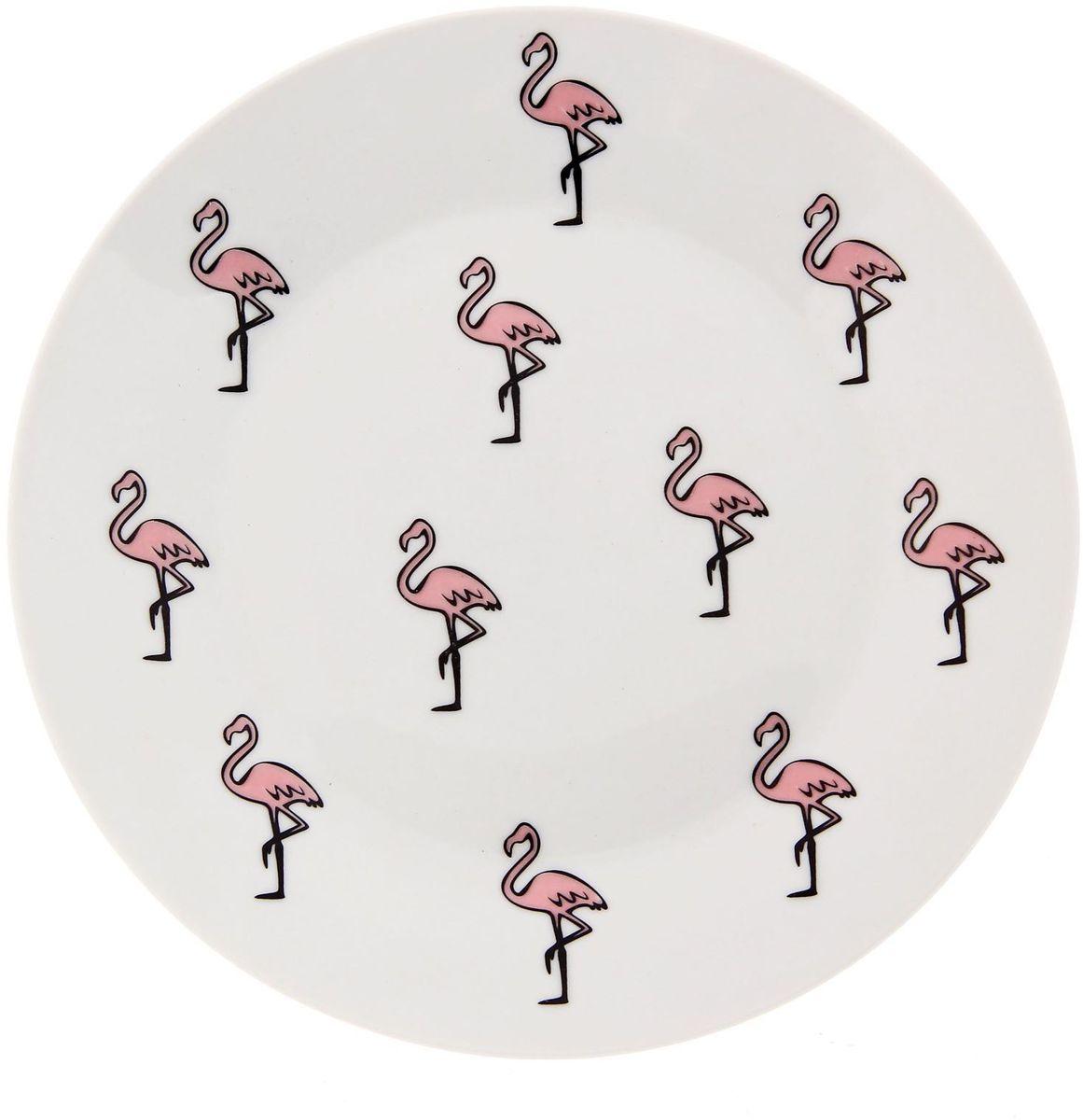 Тарелка мелкая Сотвори чудо Розовый фламинго, диаметр 20 см2277878Хотите обновить интерьер кухни или гостиной? Устраиваете необычную фотосессию или тематический праздник? А может, просто ищете подарок для близкого человека? Посуда « Сотвори Чудо» — правильный выбор в любой ситуации. Её достоинства: изящный фаянс нежного сливочного цвета; стойкость краски; пригодность для посудомоечных машин.