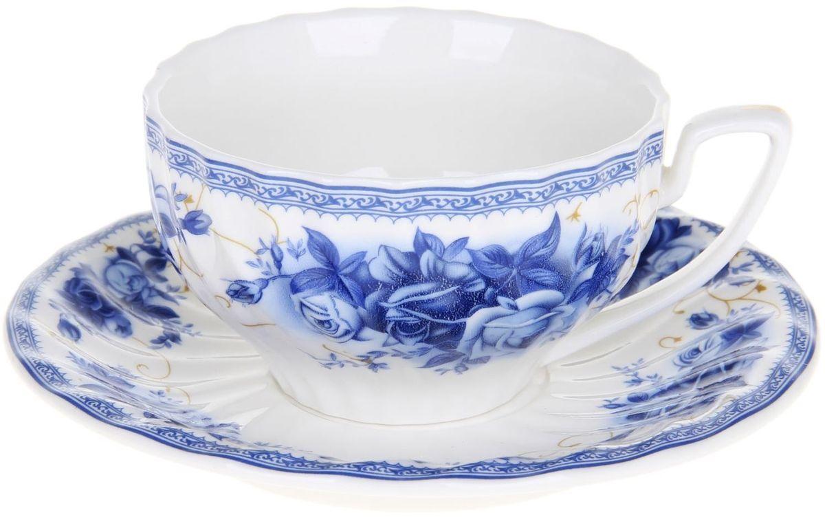 Набор чайный Доляна Дымка, 2 предмета1113378Какую посуду выбрать для чаепития? Конечно, традиционный напиток по необходимости можно пить и из помятой алюминиевой кружки. Но все-таки большинство хозяек стараются приобрести изящные и оригинальные модели для эстетического наслаждения неповторимым вкусом и тонким ароматом хорошего чая. Кухонная керамика сочетает в себе бытовую практичность и декоративную утонченность. Нарядный комплект обязательных для чаепития атрибутов изготовлен на родине древнего напитка и привнесет в каждую трапезу особую энергетику.