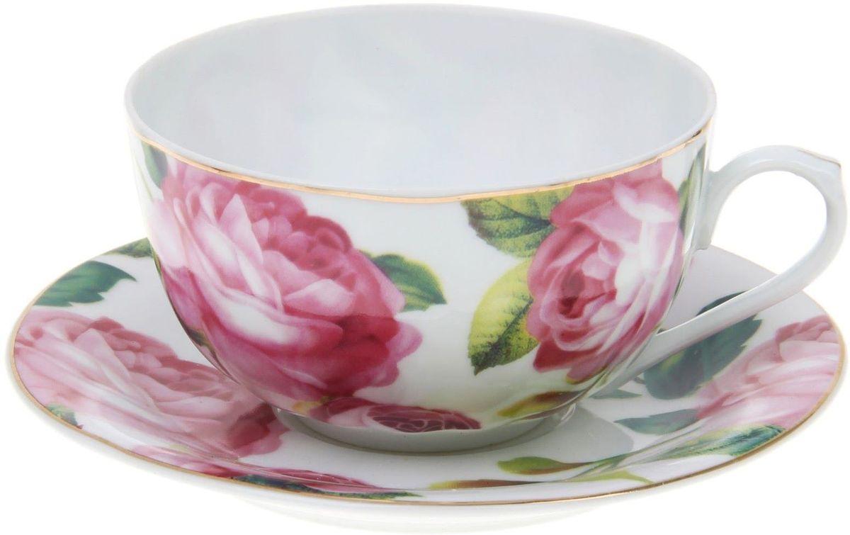 Набор чайный Доляна Роза в зелени, 2 предмета1113404Какую посуду выбрать для чаепития? Конечно, традиционный напиток по необходимости можно пить и из помятой алюминиевой кружки. Но все-таки большинство хозяек стараются приобрести изящные и оригинальные модели для эстетического наслаждения неповторимым вкусом и тонким ароматом хорошего чая. Кухонная керамика сочетает в себе бытовую практичность и декоративную утонченность. Нарядный комплект обязательных для чаепития атрибутов изготовлен на родине древнего напитка и привнесет в каждую трапезу особую энергетику.