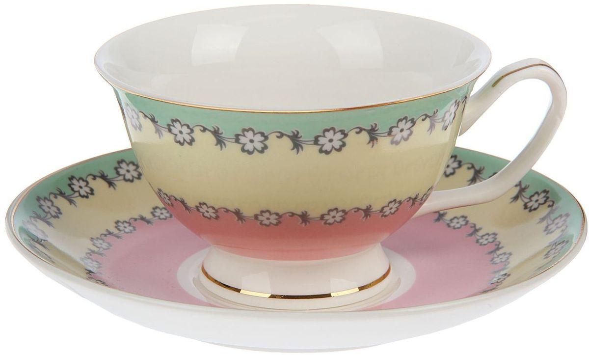 Набор чайный Доляна Цветочный вальс, 2 предмета1405173Какую посуду выбрать для чаепития? Конечно, традиционный напиток по необходимости можно пить и из помятой алюминиевой кружки. Но все-таки большинство хозяек стараются приобрести изящные и оригинальные модели для эстетического наслаждения неповторимым вкусом и тонким ароматом хорошего чая. Кухонная керамика сочетает в себе бытовую практичность и декоративную утонченность. Нарядный комплект обязательных для чаепития атрибутов изготовлен на родине древнего напитка и привнесет в каждую трапезу особую энергетику.