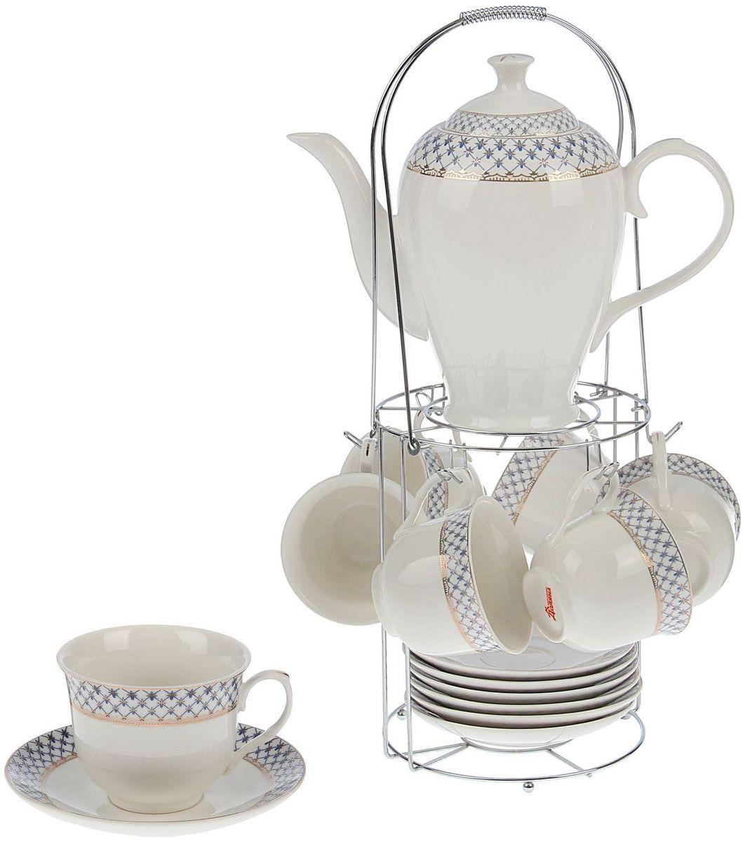 Сервиз чайный Доляна Рим, 13 предметов1405187Оригинальный сервиз привносит в дом атмосферу необыкновенного уюта и гостеприимства. Предметы выполнены из особо прочного фарфора с добавлением костного порошка. Посуда проходит несколько этапов обжига. Нежный рисунок сохраняет насыщенность цвета долгое время. Золотистый кант — дань уважения классическим традициям. Элегантная упаковка делает набор прекрасным подарком близкому человеку. Правила ухода Мойте изделия вручную. Насухо протирайте. Не ставьте в СВЧ-печь. Пусть каждое чаепитие превратится в праздник!