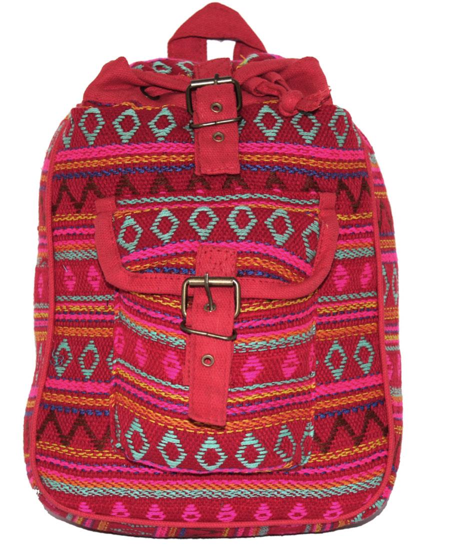 Сумка-рюкзак женская Ethnica, цвет: малиновый. 197180197180Женская сумка-рюкзак Ethnica изготовлена из качественного текстиля. Сумка имеет одно вместительное отделение и застегивается на металлическую пряжку. Внутри имеется основное отделение. Спереди сумка-рюкзак дополнена накладным карманом с клапаном. Сумка оснащена ручкой для переноски и двумя наплечными ремнями.