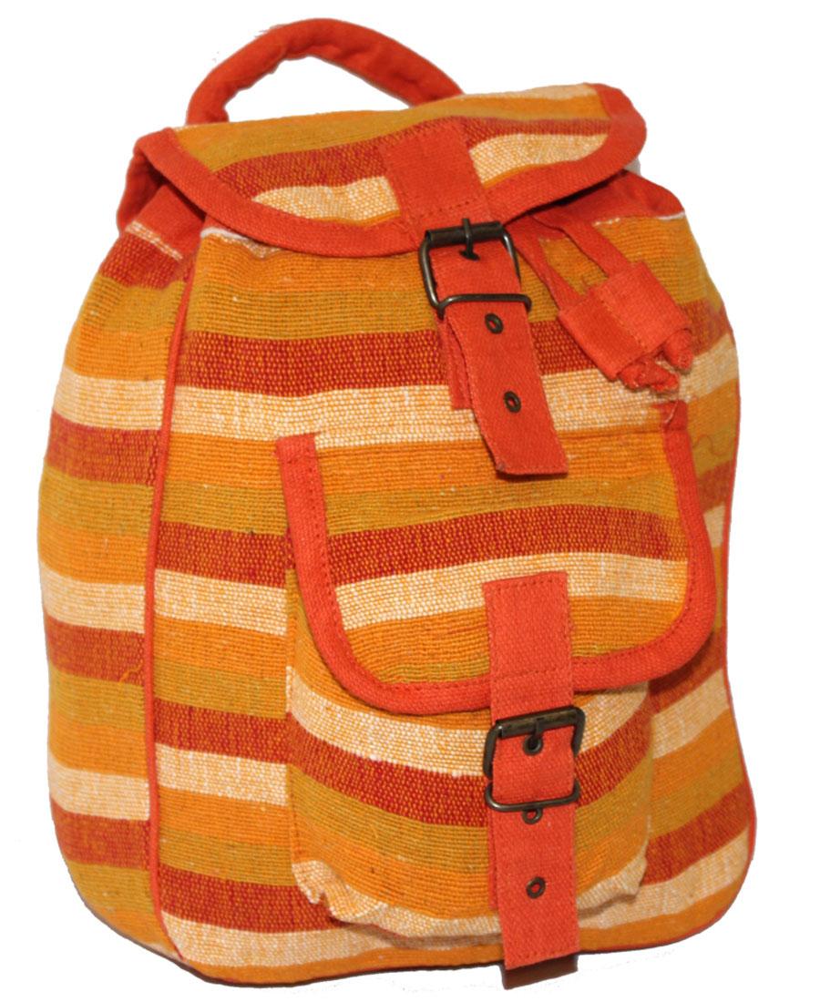 Сумка женская Ethnica, цвет: оранжевый. 197180197180Женская сумка-рюкзак Ethnica изготовлена из качественного текстиля. Сумка имеет одно вместительное отделение и застегивается на металлическую пряжку. Внутри имеется основное отделение. Спереди сумка-рюкзак дополнена накладным карманом с клапаном. Сумка оснащена ручкой для переноски и двумя наплечными ремнями.