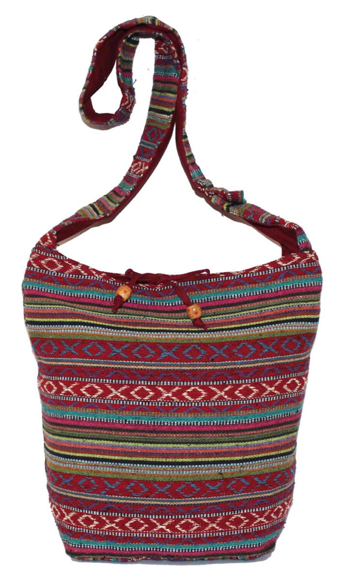 Сумка женская Ethnica, цвет: красный, мультиколор. 206165206165Женская сумка Ethnica изготовлена из текстиля. Дополнена модель широкой удобной лямкой и украшена тонкой вышивкой. Застегивается изделие на застежку-молнию.