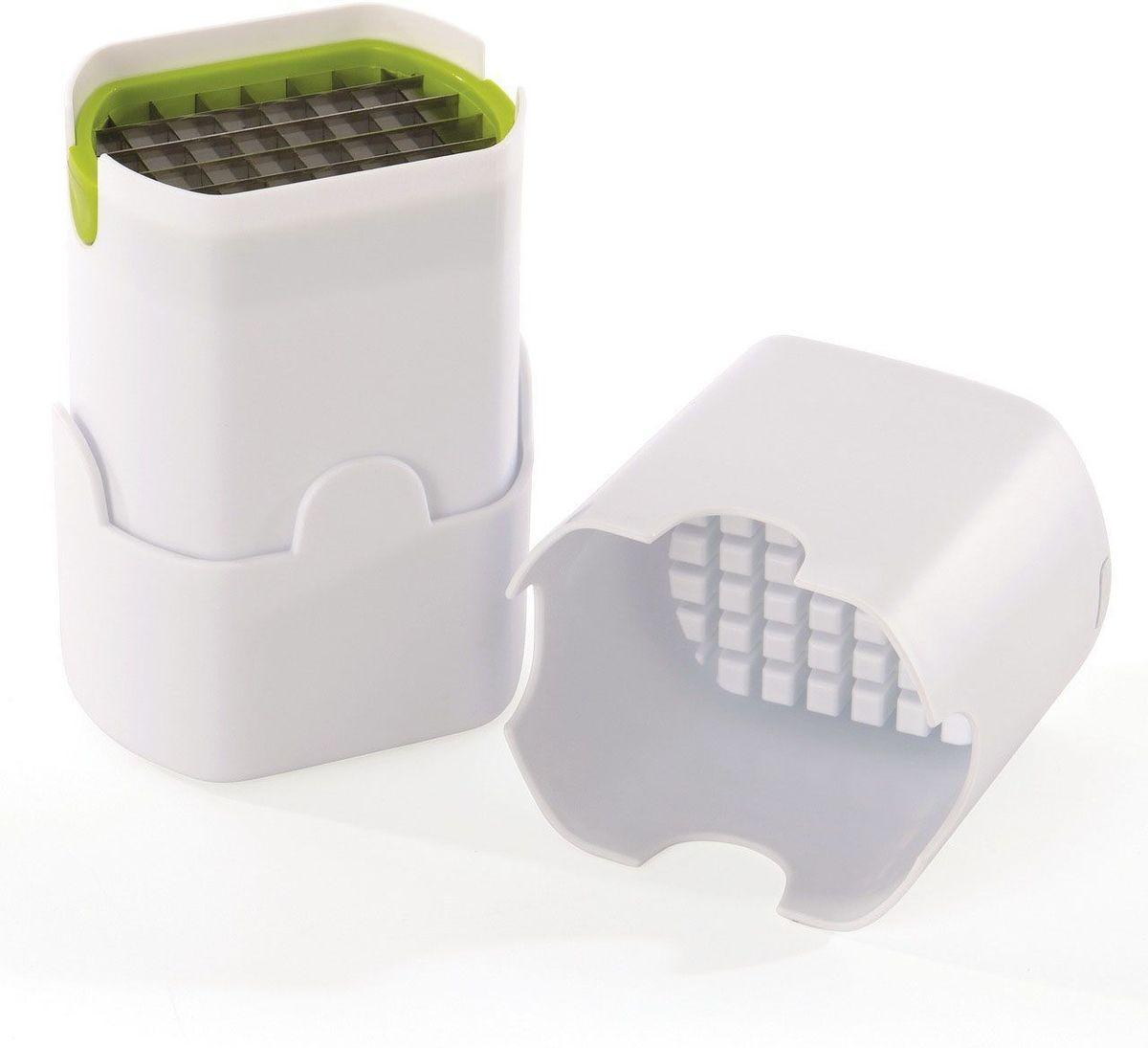 Нарезатель для картофеля фри BergHOFF Cook&Co2800106Нарезатель для картофеля фри BergHOFF Cook&Co - удивительный инструмент, который подходит для нарезки идеальных кусочков картофеля фри, каждый раз, простым нажатием. Также работает и с луком, огурцами, морковью. Корпус изделия выполнен из высококачественного ABS пластика, а лезвие из нержавеющей стали. Прочная конструкция, удобная в хранении. Такой нарезатель станет незаменимым помощником при приготовлении картофеля фри. Можно мыть в посудомоечной машине.
