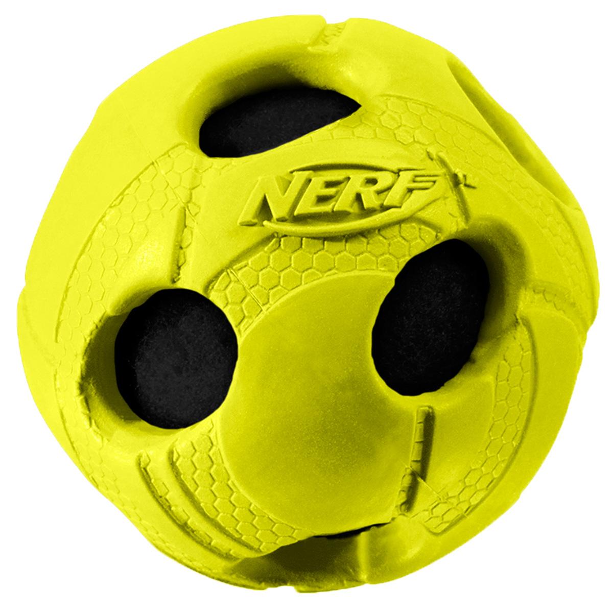 Игрушка для собак Nerf Мяч, с отверстиями, 6 см22279Мяч из прочной резины с теннисным мячем внутри! Высококачественные прочные материалы, из которых изготовлена игрушка, обеспечивают долговечность использования! Звук мяча дополнительно увлекает собаку игрой! Яркие привлекательные цвета! Рельефный рисунок! Игрушки Nerf Dog представлены в различных сериях в зависимости от рисунка, фактуры и материала, из которого они изготовлены (резина, ТПР, нейлон, пластик, каучук). Размер: 6 см, S.