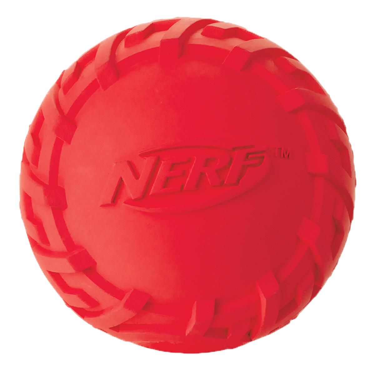 Игрушка для собак Nerf Мяч резиновый, пищащий, диаметр 7,5 см22422Мяч с уникальным рисунком протектора шины! Изготовлен из сверхпрочной резины, что обеспечивает долговечность использования! Подходит для собак с самой мощной челюстью! С пищалкой! Яркие привлекательные цвета! Игрушки Nerf Dog представлены в различных сериях в зависимости от рисунка, фактуры и материала, из которого они изготовлены (резина, ТПР, нейлон, пластик, каучук). Размер: 7,5 см, M.