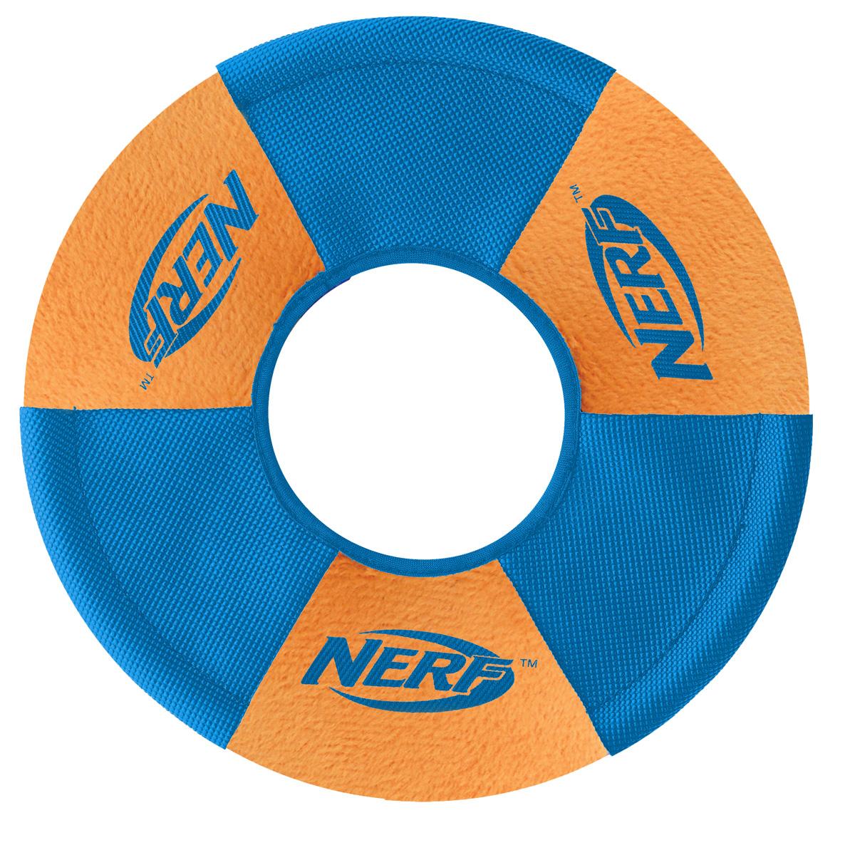 Игрушка для собак Nerf Диск для фрисби, плюшевый, 22,5 см22552Летающая тарелка-фрисби –это удивительный спортивный снаряд, с которым не придется скучать! Кроме великолепных лётных качеств, диск безопасен для собачьих зубов и десен! Ультра мягкие плюшевые панели с прочными резиновыми покрытием из нейлона панелей! Оптимален для активных игр на свежем воздухе! Диаметр: 22,5 см.