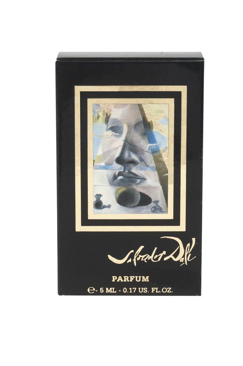 Les Parfums Salvador Dali Dali Feminin Миниатюра духи 5 мл89798Уникальные духи, созданные как произведение искусства, как картина, со своей темой, цветом и полутонами; как поэма редких эссенций, гармонично сочетающихся в едином произведении. В 1981 году Сальвадор Дали закончил картину Явление лица Афродиты Книдской в ландшафте. Он сам сделал рисунок для первого флакона и принимал непосредственное участие в создании аромата. Роскошь царственной розы и элегантность классического жасмина – знаковые ноты самых дорогих духов в истории парфюмерии.
