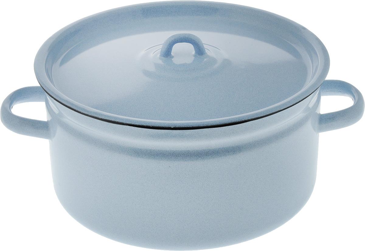 Кастрюля Лысьвенские эмали с крышкой, 5,5 лС-1617/РбКастрюля Лысьвенские эмали изготовлена из высококачественной стали с эмалированным покрытием. Эмалевое покрытие, являясь стекольной массой, не вызывает аллергию и надежно защищает пищу от контакта с металлом. Кроме того, такое покрытие долговечно, оно устойчиво к механическому воздействию, не царапается и не сходит, а стальная основа практически не подвержена механической деформации, благодаря чему срок эксплуатации увеличивается. Стальная крышка с эмалированным покрытием плотно прилегает к краю, сохраняя аромат блюд. Подходит для всех типов плит, включая индукционные. Можно мыть в посудомоечной машине. Внутренний диаметр кастрюли: 24 см. Высота кастрюли: 13 см. Ширина кастрюли (с учетом ручек): 31,5 см.