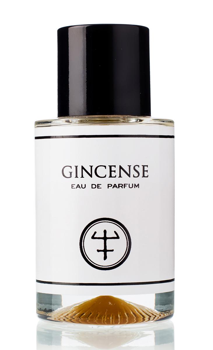OLIVER CO Парфюмерная вода Gincense 50 млOLI109С помощью огромных доз масел имбиря различного происхождения, сочетающихся с эссенциями разных ладанов, Оливер Вальверде, создатель Oliver&Co., подарил новое прочтение одному из самых возвышенных запахов. Из слов «имбирь» («ginger») и «ладан» («inсense») сложилось название этого необычного аромата – GINCENSE.