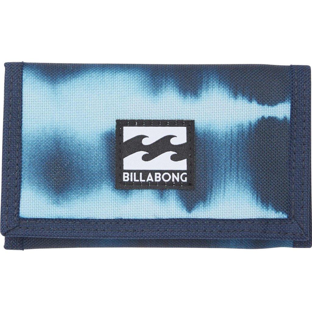 Кошелек Billabong Atom Wallet, цвет: синий, голубой. 36078693694833607869369483Классический тряпичный кошелек с новыми расцветками от Billabong.