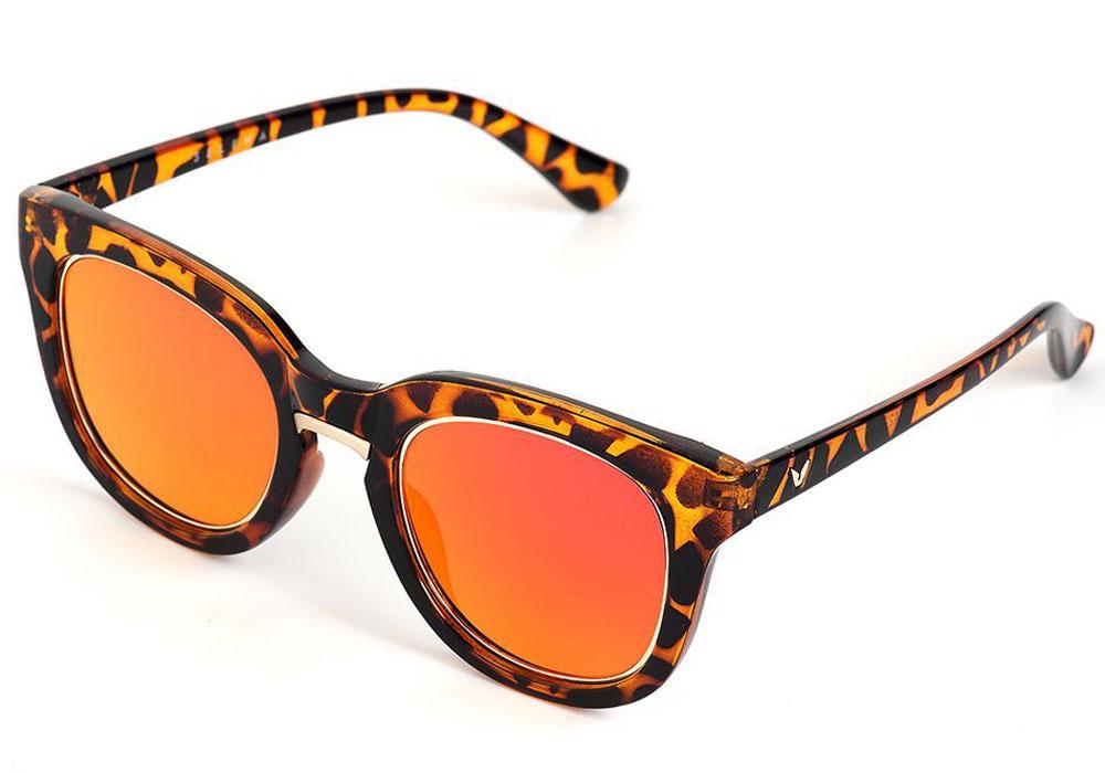 Очки солнцезащитные женские Selena, цвет: коричневый, золотой. 8003557180035571Солнцезащитные женские очки Selena выполнены из качественного материала. Линзы очков обеспечивают 100% защиту от ультрафиолетовых лучей. Такие очки защитят глаза от ультрафиолетовых лучей, подчеркнут вашу индивидуальность и сделают ваш образ завершенным. Размер (ширина линзы*ширина моста-длина дужки) 56*20-145.