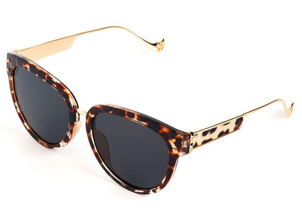 Очки солнцезащитные женские Selena, цвет: золотистый, коричневый. 8003561180035611Солнцезащитные женские очки Selena выполнены из качественного материала. Линзы очков обеспечивают 100% защиту от ультрафиолетовых лучей. Такие очки защитят глаза от ультрафиолетовых лучей, подчеркнут вашу индивидуальность и сделают ваш образ завершенным. Размер (ширина линзы*ширина моста-длина дужки) 56*10-140.