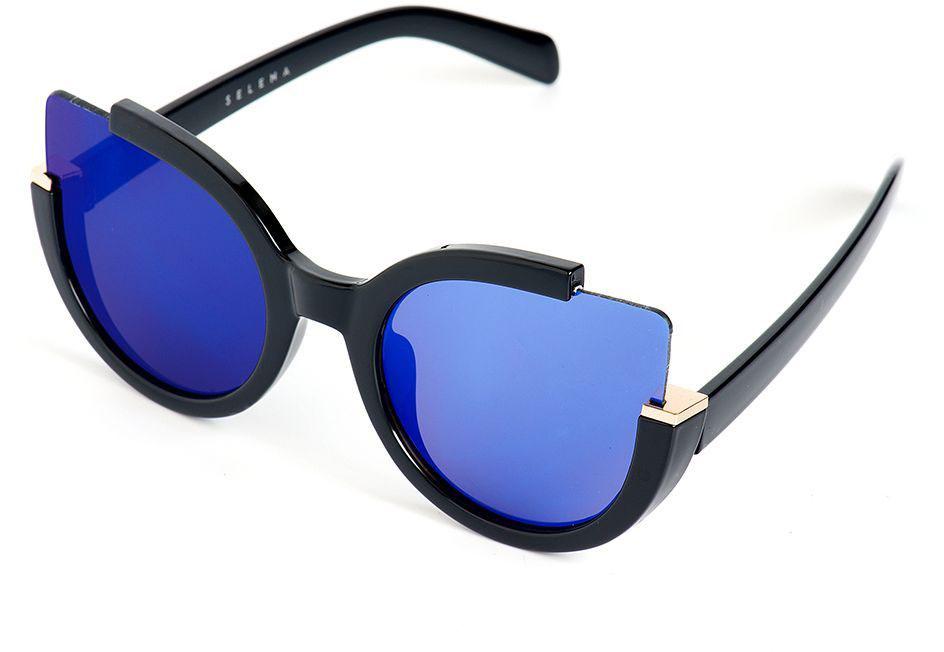 Очки солнцезащитные женские Selena, цвет: синий, черный. 8003180031Стильные солнцезащитные женские очки Selena выполнены из качественного материала. Линзы очков обеспечивают 100% защиту от ультрафиолетовых лучей. Такие очки защитят глаза от ультрафиолетовых лучей, подчеркнут вашу индивидуальность и сделают ваш образ завершенным. Размер (ширина линзы*ширина моста-длина дужки) 60*20-150.