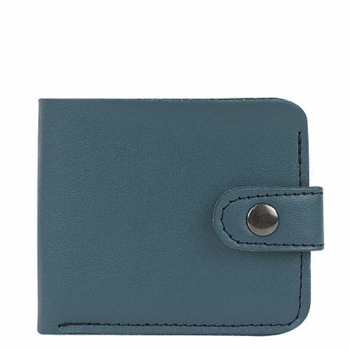 Кошелек Kawaii Factory, цвет: синий. KW057-000624KW057-000624Классический складной кошелек от Kawaii Factory, изготовленный из экокожи, прекрасно впишется в любой стиль. Он оснащен одним отделением для купюр, прорезными кармашками для карточек. Аксессуар поместится даже в миниатюрную сумочку. Кошелек на застежке-кнопке отличается строгим эргономичным дизайном и универсальностью.
