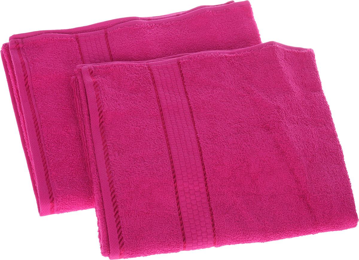 Набор махровых полотенец Aisha Home Textile, цвет малиновый, 50 см х 90 см, 2 штУНП-А-012Набор Aisha Home Textile состоит из двух махровых полотенец, выполненных из натурального 100% хлопка. Изделия отлично впитывают влагу, быстро сохнут, сохраняют яркость цвета и не теряют формы даже после многократных стирок. Полотенца Aisha Home Textile очень практичны и неприхотливы в уходе. Комплектация: 2 шт.