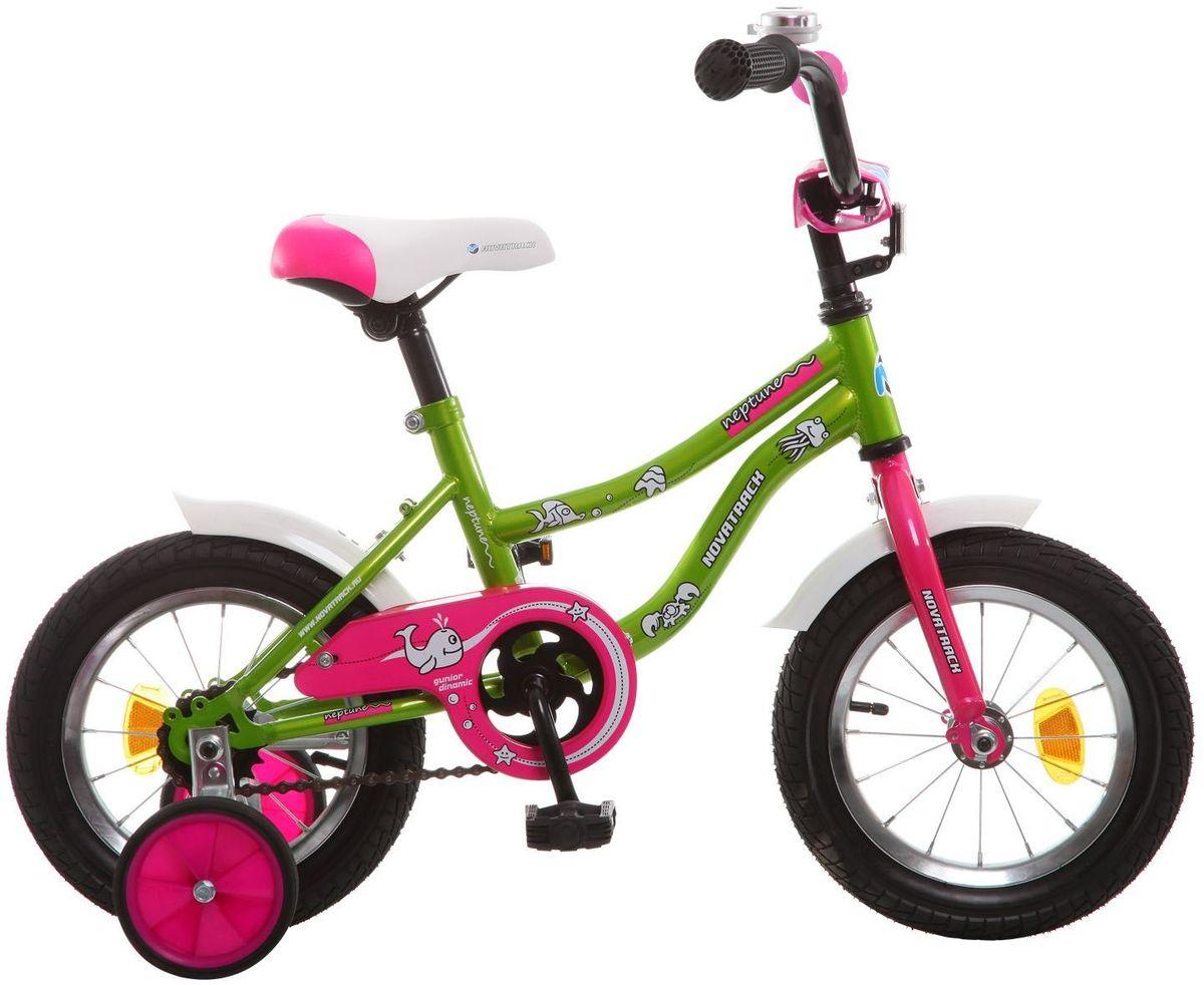 Велосипед детский Novatrack Neptune, цвет: зеленый, 12123NEPTUN.GN5Если вам нужен качественный, надежный и оптимальный по цене велосипед для ребенка, то это, конечно - Novatrack Neptun 12'', который рассчитан на малышей 2-4 лет. Достаточно только взглянуть на эту модель, чтобы понять, насколько удобно и безопасно будет чувствовать себя ваш сын или дочка. Да-да, этот велосипед прекрасно подойдет и мальчику, и девочке. Это детское двухколесное транспортное средство прекрасно управляется даже самыми неопытными велосипедистами, ведь его конструкция тщательно продумана с учетом того, что кататься на этом велосипеде будут малыши. В частности, модель снабжена ограничителем поворота руля, что не позволит ребенку слишком сильно вывернуть переднее колесо велосипеда и упасть. Установлены дополнительные опции: защита цепи, стильные укороченные крылья, мягкие накладки, которые служат еще и элементом дизайна, громкий звонок и катафоты.