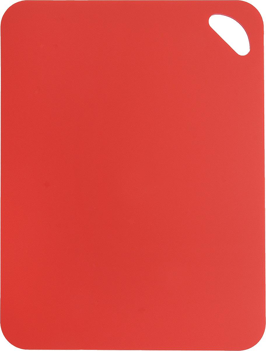 Коврик для резки Zeller, цвет: красный, 38 см х 29 см26116_красныйКоврик для резки Zeller выполнен из гибкого пластика, что позволяет удобно высыпать нарезанные продукты. Изделие не впитывает запах продуктов, имеет антибактериальную поверхность, отличается долгим сроком службы. Ножи не затупляются при использовании. Можно использовать обе стороны коврика. Такой коврик понравится любой хозяйке и будет отличным помощником на кухне. Можно мыть в посудомоечной машине.