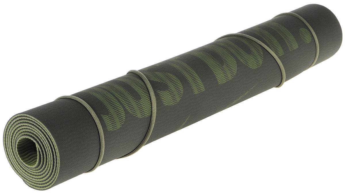 Коврик для йоги Nike Just Do It Yoga Mat 2.0, цвет: салатовый, темно-зеленыйN.YE.23.318.OSТекстура нижнего слоя обеспечивает дополнительным сцеплением. Графический рисунок JUST DO IT украшает верхнюю часть коврика. Шнурок для переноски обеспечивает комфортную транспортировку. Не содержит PVC (поливинилхлорид) или латекс. Размер: 61 см х 173 см.