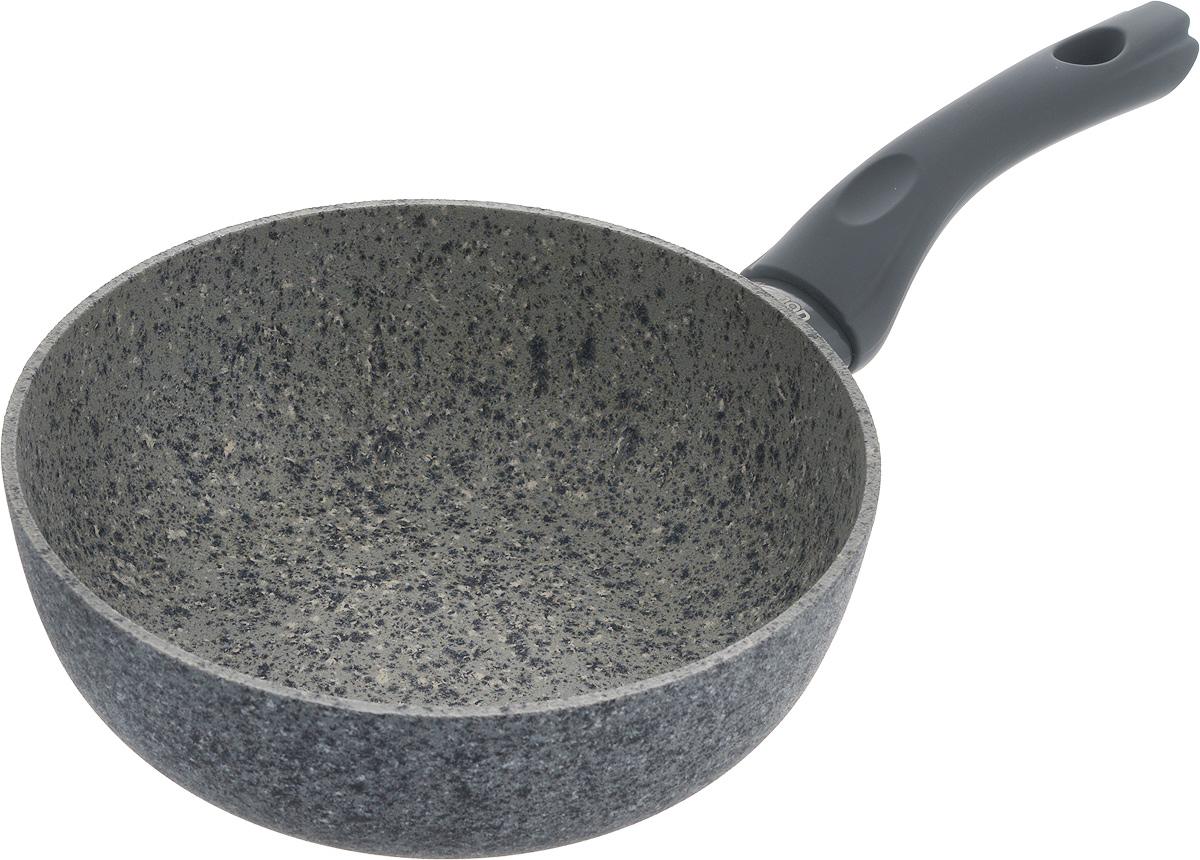 Сковорода глубокая Fissman Veneta, с антипригарным покрытием. Диаметр 20 смAL-4916.20Сковорода Fissman Veneta изготовлена из литого алюминия с многослойным сверхпрочным антипригарным покрытием EcoStone. Главное его преимущество - это нескольких слоев каменной крошки на основе минеральных компонентов. Такое антипригарное покрытие безопасно для здоровья и окружающей среды. Сковорода обладает великолепными антипригарными свойствами, она долговечна и износостойка. Изделие имеет бакелитовую ручку, которая не нагревается и не скользит в руках. Стильная, удобная, долговечная сковорода Veneta найдет свое место на любой кухне. Подходит для использования на газовых, электрических и стеклокерамических плитах, а также на индукционных. Можно мыть в посудомоечной машине. Диаметр сковороды: 20 см. Высота стенки: 7,2 см. Длина ручки: 16,5 см.