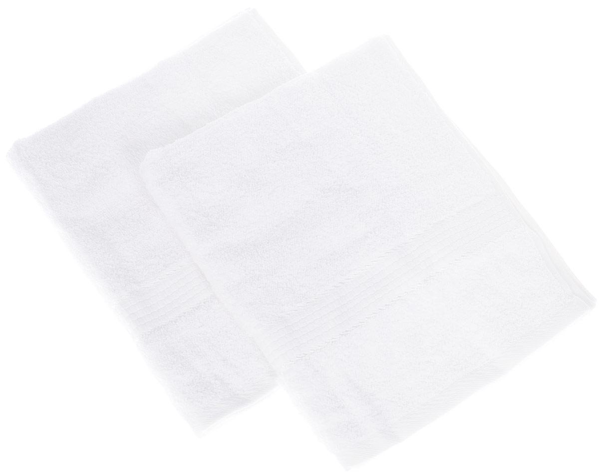 Набор махровых полотенец Aisha Home, цвет белый, 500 х 900 ммУНП-А-011Полотенце Aisha Home выполнено из натуральной махровой ткани (100% хлопок). Изделие отлично впитывает влагу, быстро сохнет, сохраняет яркость цвета и не теряет форму даже после многократных стирок. Полотенце очень практично и неприхотливо в уходе. Оно станет достойным выбором для вас и приятным подарком для ваших близких.