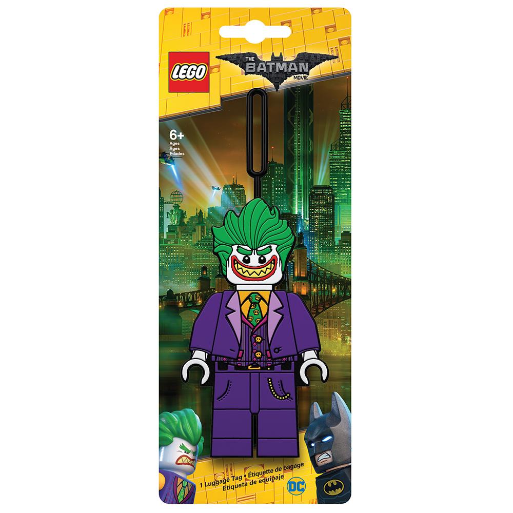 Бирка для багажа LEGO Batman Movie The Joker. 5175351753Силиконовая бирка надежно крепится к багажу с помощью петли. Яркий и неповторимый дизайн сразу же привлечет внимание, и вы легко отыщите свой чемодан на транспортной ленте. Запишите свои контактные данные на обратной стороне бирки и можете не бояться, что ваш чемодан потеряется, ведь теперь работники аэропорта точно будут знать его хозяина.