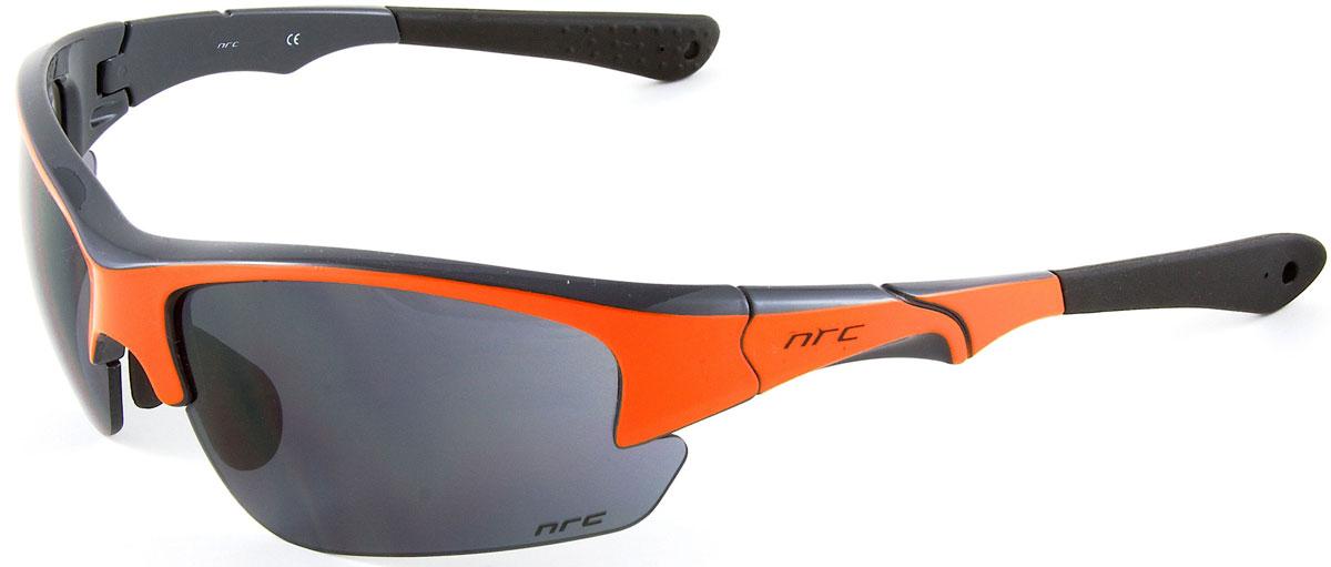 Очки солнцезащитные NRC, цвет: оранжевый. 2103621036Бренд NRC представляет очки, предназначенные как для езды на велосипеде, так и для многих других видов спорта. NRC известен собственными фирменными разработками, адаптирующими очки под разные климатические условия, различное время суток, степень освещенности, а также под индивидуальные потребности каждого конкретного пользователя. Очки глянцевые серые с флуорисцентно-оранжевым Дымчатые линзы Материал оправы – Нейлон (TR90) Оправа - регулируемые носоупоры и дужки Материал линзы - поликарбонат (РС) Особенности линзы - фотохромные Покрытие – защитное от царапин, зеркальное Прозрачность -15% Категория фильтра -3 Вес -32,3 г Кривизна (изгиб) -8