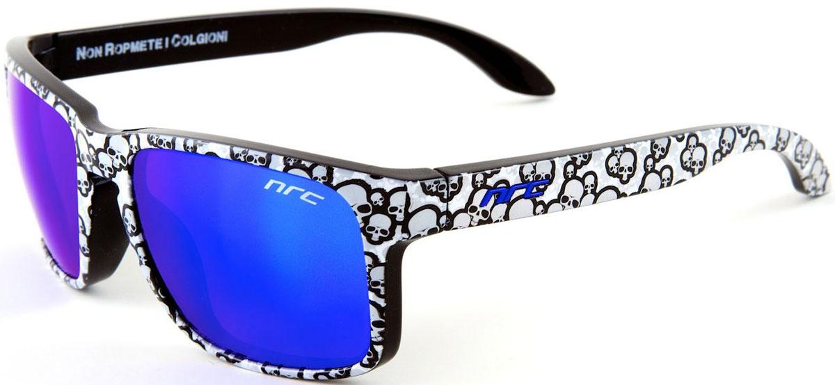 Очки солнцезащитные NRC, цвет: серый. 2104421044Бренд NRC представляет очки, предназначенные как для езды на велосипеде, так и для многих других видов спорта. NRC известен собственными фирменными разработками, адаптирующими очки под разные климатические условия, различное время суток, степень освещенности, а также под индивидуальные потребности каждого конкретного пользователя. Очки с рисунком белые черепа Синие зеркальные линзы Материал оправы – нейлон (TR90) Особенности оправы - спортивные и модные с современным дизайном и люминесцентной окраской (светятся в темноте) Материал линзы - поликарбонат (РС) Покрытие – защитное от царапин[NOSCRATCH] Прозрачность -11% Категория фильтра -3 Вес -31,6 г Кривизна (изгиб) - 6