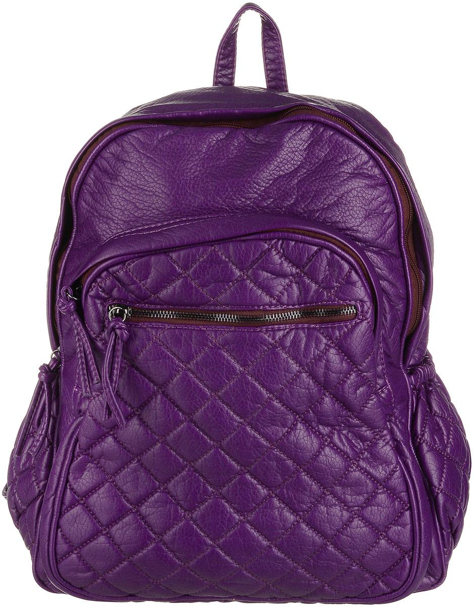 Рюкзак женский OrsOro, цвет: фиолетовый. D-193/53D-193/53Рюкзак OrsOro выполнен из высококачественной искусственной кожи зернистой текстуры. Изделие оснащено двумя ручками для переноски и подвешивания. Также сумка имеет удобные лямки, длину которых можно изменять с помощью пряжек. На лицевой стороне расположен один небольшой объемный карман на молнии и вшитый карман на молнии под клапаном с магнитной кнопкой. На тыльной стороне расположен вшитый карман на молнии. Изделие закрывается с помощью молнии. Внутри расположено главное отделение, которое содержит один небольшой карман на молнии и один открытый карман для мелочей.