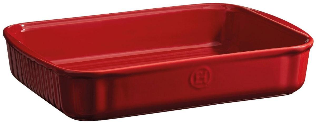 Форма для выпечки Emile Henry, прямоугольная, цвет: гранатовый, 22 х 30 см349680Длина с ручками - 34см. Универсальная прямоугольная форма имеет идеальный размер для встречи гостей! Тирамису, брауни, другие любимые десерты – дайте волю воображению. С помощью небольших ручек, форму легко извлекать или ставить в духовку/на стол. HR керамика идеально пропекает пироги изнутри. Изделия Emile Henry прекрасно держат температуру, как низкую, так и высокую, поэтому сервированные в них блюда долго остаются холодными или горячими, в зависимости от того, достали вы их из духовки или из морозильной камеры. Ваши хлебцы, пироги, торты, кексы и рулеты будут восхитительными в посуде Emile Henry. . О товаре Специализированная коллекция Emile Henry создана специально для домашних десертов. С помощью «десертной» коллекции вы можете полностью приготовить блюдо и подать его на стол, используя одну форму: без необходимости извлекать блюдо. Керамика – идеальный материал для приготовления пирогов и десертов. Она распределяет тепло равномерно по всей поверхности формы, выпечка равномерно...