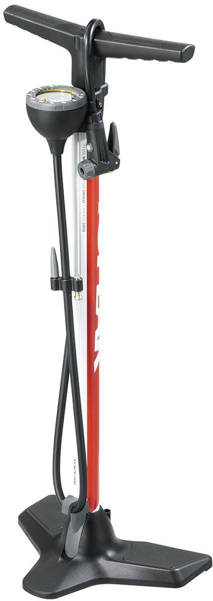 Насос напольный TOPEAK JoeBlow Race Floor Pump, 200 PSI/14 BAR, цвет: красныйTJB-RC1RJoe Blow Race – функциональный напольный насос для любых типов велосипедов, в том числе горных и трекковых. Имеет стальной корпус, трехножное устойчивое основание и эргономичные рукоятки для большего удобства использования. Специально разработанная головка SmartHead автоматически переключается в рамках двух режимов, которые соответствуют клапанам Presta и Schrader. На головке имеется кнопка выпуска воздуха, позволяющая осуществлять высокоточную настройку уровня давления в шинах. Удлиненный до 120 см шланг поможет накачать колеса в том случае, если нет возможности установить насос рядом с велосипедом, к примеру, во время ремонта. Аналоговый манометр показывает уровень давления в единицах BARи PSI. Насос JoeBlowRace комплектуется иглами для мячей с собственным креплением на корпусе и дополнительным адаптером для клапана Dunlop. Максимальное давление — 200 psi / 14 bar. Вес насоса – 1400 г.