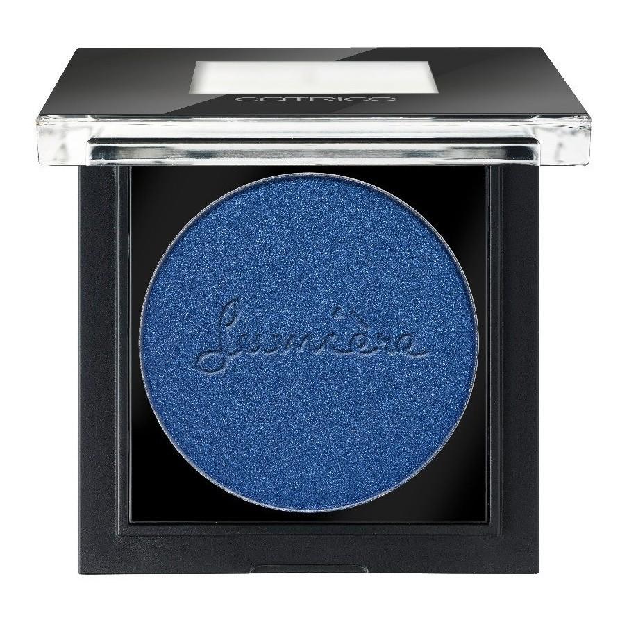 Catrice Тени для век Pret-a-Lumiere Longlasting Eyeshadow 090 Allez Les Bleus синий 2 гр20034Высокая концентрация пигмента в сочетании с легчайшей, почти невесомой текстурой – отличительная особенность новых теней CATRICE Pret-a-Lumiere Longlasting Eyeshadow. Секрет – в инновационной, невероятно плотной кремовой текстуре, благодаря которой тени идеально наносятся: достаточно одного слоя, чтобы получить максимально насыщенный цвет. Тени представлены в девяти актуальных оттенках, среди которых – нежный мятный, насыщенный синий и элегантный золотой.