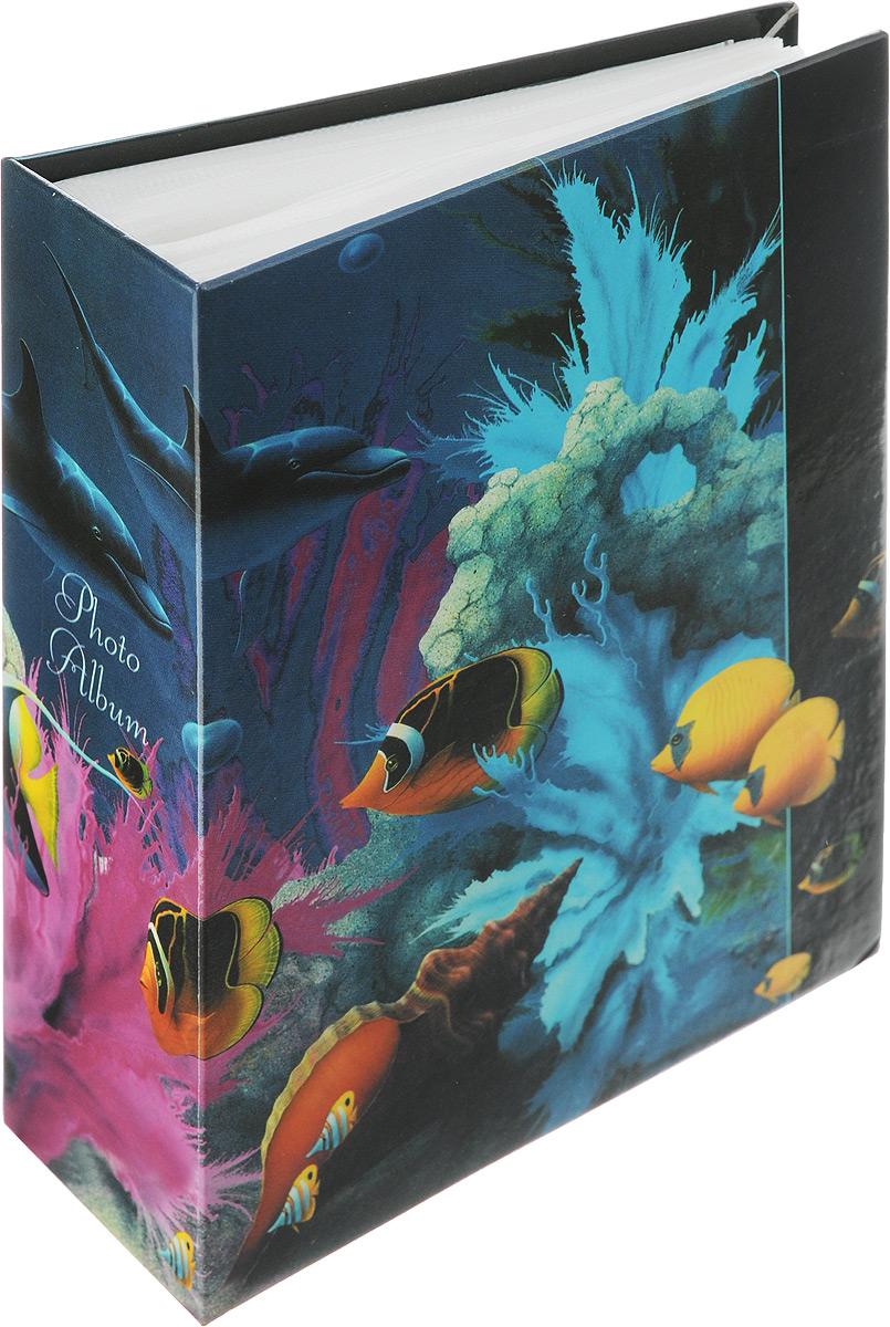Фотоальбом Pioneer Dolphins, 100 фотографий, цвет: мультицвет, 10 x 15 см46573Фотоальбом Pioneer Dolphins поможет красиво оформить ваши самые интересные фотографии. Обложка из толстого ламинированного картона оформлена принтом. Фотоальбом рассчитан на 100 фотографий форматом 10 x 15 см. Внутри содержится блок из 50 листов с окошками из полипропилена. Такой необычный фотоальбом позволит легко заполнить страницы вашей истории, и с годами ничего не забудется. Тип обложки: Ламинированный картон. Тип листов: полипропиленовые. Тип переплета: высокочастотная сварка. Кол-во фотографий: 100. Материалы, использованные в изготовлении альбома, обеспечивают высокое качество хранения ваших фотографий, поэтому фотографии не желтеют со временем.