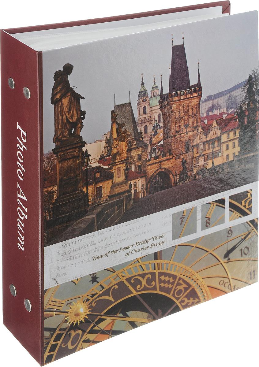 Фотоальбом Pioneer Traveler, 200 фотографий, цвет: бордовый, темно-зеленый, 10 x 15 см46493 PP-46200Фотоальбом Pioneer Traveler поможет красиво оформить ваши самые интересные фотографии. Обложка из толстого картона оформлена оригинальным принтом. Фотоальбом рассчитан на 200 фотографий форматом 10 x 15 см. Внутри содержится блок из 50 листов с окошками из полипропилена, одна страница оформлена двумя окошками для фотографий. Такой необычный фотоальбом позволит легко заполнить страницы вашей истории, и с годами ничего не забудется. Альбом для фотографий формата 10 х 15 см. Тип обложки: картон. Тип листов: полипропиленовые. Тип переплета: высокочастотная сварка. Материалы, использованные в изготовлении альбома, обеспечивают высокое качество хранения ваших фотографий, поэтому фотографии не желтеют со временем.