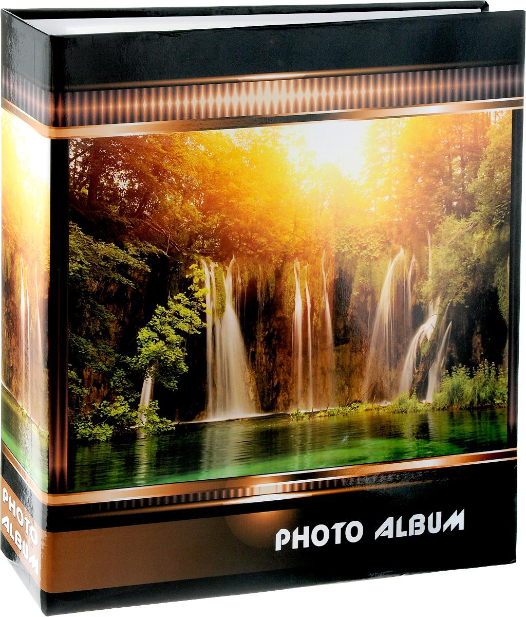 Фотоальбом Pioneer Waterfalls, 500 фотографий, цвет: оранжевый, коричневый, 10 x 15 см47511 AV46500 3-OФотоальбом Pioneer Waterfalls позволит вам запечатлеть незабываемые моменты вашей жизни, сохранить свои истории и воспоминания на его страницах. Обложка из ламинированного картона оформлена принтом в виде водопада. Фотоальбом рассчитан на 500 фотографии форматом 10 x 15 см. Фотографии фиксируется внутри с помощью кармашек. Такой необычный фотоальбом позволит легко заполнить страницы вашей истории, и с годами ничего не забудется. На странице размещаются 5 фотографий: 3 горизонтально и 2 вертикально. Количество страниц: 100. Материал обложки: Ламинированный картон. Переплет: на кольцах. Материалы, использованные в изготовлении альбома, обеспечивают высокое качество хранения ваших фотографий, поэтому фотографии не желтеют со временем. Материалы, использованные в изготовлении альбома, обеспечивают высокое качество хранения ваших фотографий, поэтому фотографии не желтеют со временем.