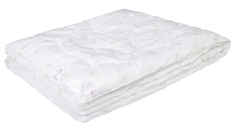 Одеяло Ecotex Алоэ вера, наполнитель: синтепух, цвет: белый, 200 х 220 смОАВЕ- экологичность; - оптимальный микроклимат во время сна; - успокаивает кожу; - прекрасная циркуляция воздуха.