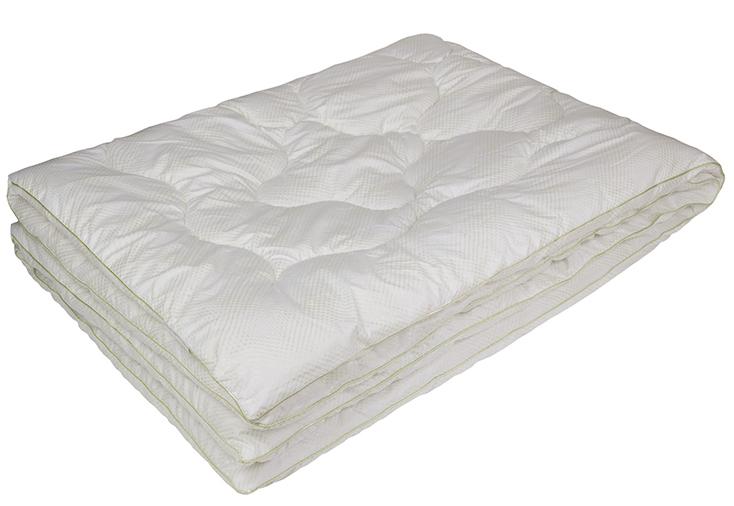 Одеяло Ecotex Бамбук-Комфорт, наполнитель: бамбуковое волокно, цвет: белый, 140 х 205 смОБК1- антистатические свойства; - не вызывает раздражения; - регулирует влажность и теплообмен; - сохраняет свои первоначальные свойства и форму после многократной эксплуатации; - эффект кожи персика.