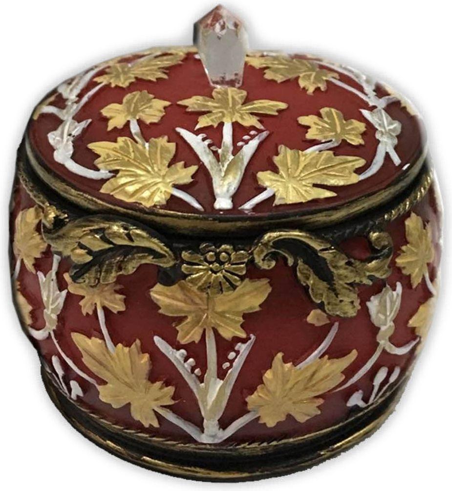 Шкатулка декоративная Magic Home, цвет: бордовый, 7 х 7 х 6 см44572Шкатулка декоративная Бордовая (полирезины). Такая шкатулка не оставит равнодушным ни одного любителя красивых вещей. Шкатулка может использоваться для хранения бижутерии, в качестве украшения интерьера, а также послужит хорошим подарком для человека, ценящего практичные и оригинальные вещи.
