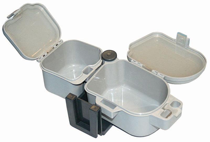 Коробка рыболовная Salmo Live Bait, цвет: светло-серый, 21,5 х 10 х 6,7 см1500-70Коробочка для живой наживки с двумя отделениями и с легкосъемным креплением к ремню рыболова.