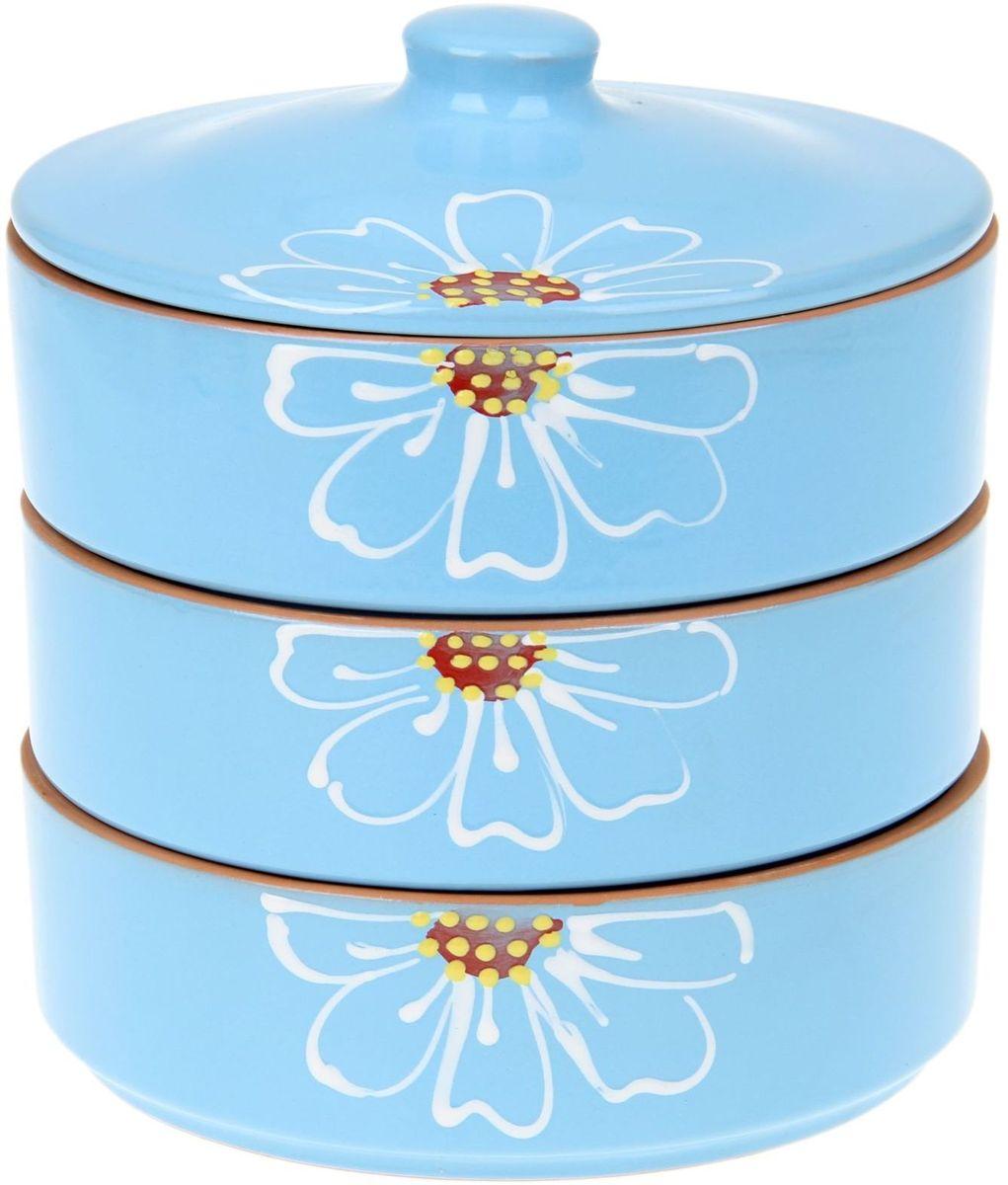 Набор блюд для холодца Псковский гончар Цветок, цвет: синий, 4 предмета1228241Набор для холодца Цветок синий 3 шт ( размер 1 шт H - 57мм, D - 172мм) будет вашим универсальным помощником! Он удобен не только для хранения холодца, но и для салатов, а также различных закусок. Набор предотвращает заветривание и сохраняет привлекательный внешний вид блюда. Вы сможете готовить непосредственно в нём: специальная керамика подходит для использования в микроволновой печи, в духовом шкафу, русской печи или на гриле. Утолщённые стенки дольше сохраняют тепло, поэтому можно не волноваться, что блюдо быстро остынет. Благодаря специальной конструкции предметы из набора можно устойчиво размещать друг на друге, что значительно сэкономит место в шкафу или холодильнике. Приятная расцветка и аккуратный рисунок будут радовать глаз при каждом использовании. Благодаря структуре глины любое блюдо, приготовленное при помощи посуды от «Псковского гончара», будет максимально вкусным и сохранит все свои полезные качества.