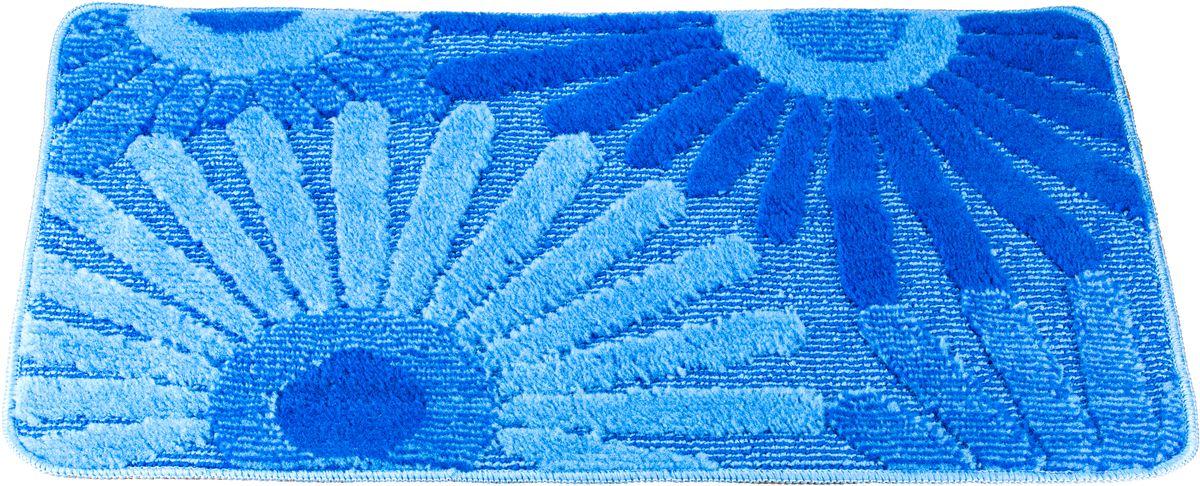 Коврик для ванной Swensa Fiori, цвет: синий, голубой, 50 х 80 смSWM-1016-BLUEПриятно после водных процедур стать босыми ногами не на холодный кафель, а на мягкую пушистую поверхность. А потому коврик – незаменимый атрибут в ванной комнате. Коврик Fiori с жизнерадостным рисунком в виде соцветий, выполнен в нейтральной природной цветовой гамме, изготовлен из полипропилена – материала, устойчивого к истиранию, долговечного и не боящегося влаги. Изделие быстро сохнет, допускается машинная стирка. Нескользящая подложка обезопасит владельцев от случайных падений.