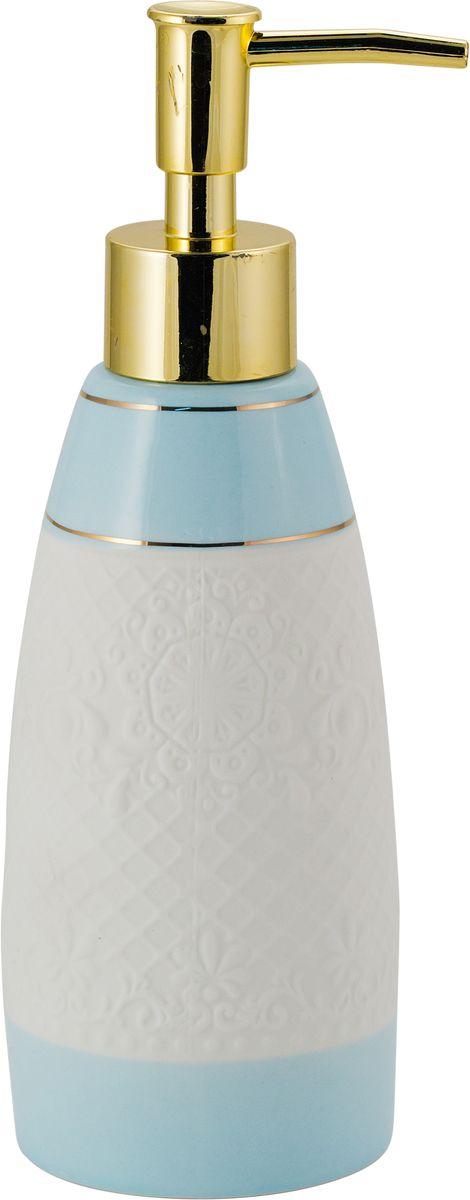 Дозатор для жидкого мыла Swensa Романс, цвет: бело-голубой, 250 млSWTK-2800AДозатор для жидкого мыла из коллекции Романс — это не только функциональное устройство, но и важный декоративный элемент, который подчеркнет элегантность внутренней обстановки ванной. Комбинация перламутра, кружева и золотого блеска выглядит стильно и прекрасно сочетается с любым цветовым решением интерьера. Натуральная керамика не изменяет свой цвет с течением времени и сохраняет неизменную форму.
