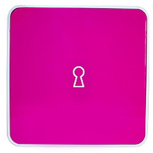 Ключница настенная Byline, цвет: розовый. 108.3251.57108.3251.57Настенные ключницы - созданы как удобные органайзеры для хранения и контроля за комплектами ключей. Больше не надо думать, куда положить ключи от квартиры или дома, машины, почтового ящика, кладовки.