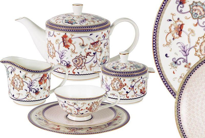 Сервиз чайный Anna Lafarg Emily Королева Анна, 21 предметAL-M1929/21-E9Чайная и обеденная столовая посуда торговой марки Anna Lafarg произведена из высококачественного костяного фарфора. Тончайший костяной фарфор, высокое качество нанесения декора, элегантность форм, уникальный дизайн - все это является отличительной чертой бренда. Коллекция Anna Lafarg Emily представлена, как в виде обеденных и чайных сервизов на 6 и 12 персон, так и наборами для чая в подарочных упаковках. Вся посуда выполнена в классическом стиле, который всегда на пике моды, украсит любой интерьер и принесет уют в каждый дом.